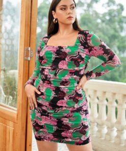 SHEIN Plus Graphic Print Square Neck Ruched Bodycon Dress